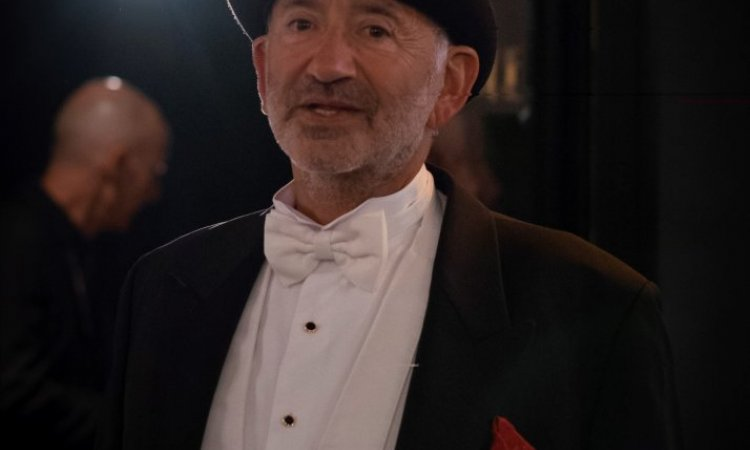 tenue queue-de-pie et chapeau haut-de-forme