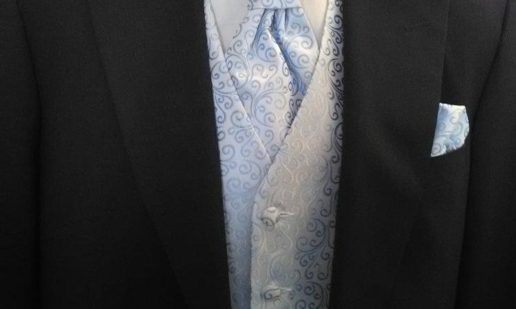 Jaquette gris anthracite et gilet bleu ciel à motifs edwardiens